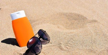 Jaki filtr przeciwsłoneczny zabrać ze sobą na wakacje?